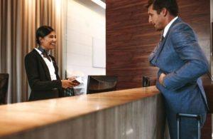 Personnel accueil et relation clients